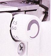 2本針4本糸ロックミシン写真06
